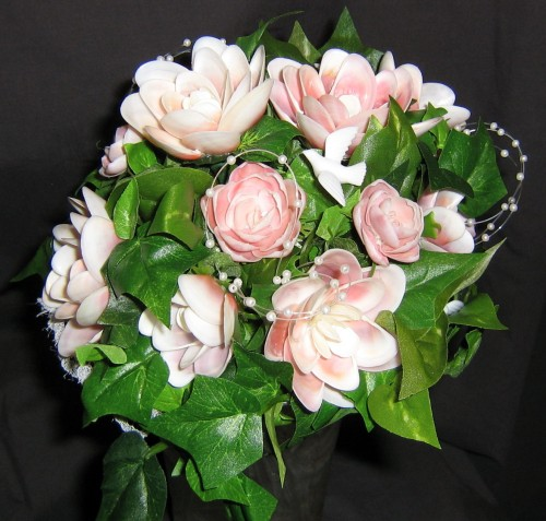 seashell%20crafts%20wedding%20bouquet%20pink%20flowers%20white.jpg
