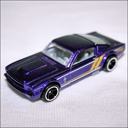 Hot Wheels 2014 Mustang 50th 5 Pack Exclusive 1965 Ford