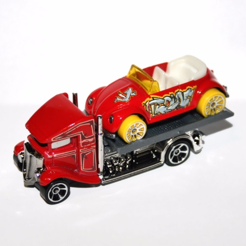 Hot Wheels Flat Bed Hauler Tow Truck and Volkswagen VW Beetle Bug Set