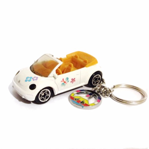 Volkswagen VW Beetle Convertible Keychain Bug White with Custom Flowers Peace Sign ...