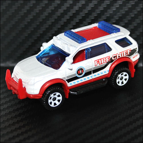 Matchbox 2013 Heroic Rescue Ford Explorer Fire Chief From