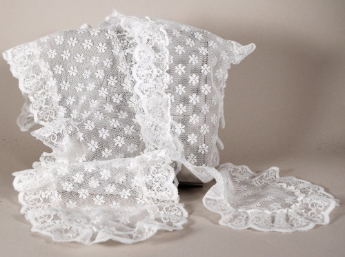 Avon Victorian Lace Scarf 1