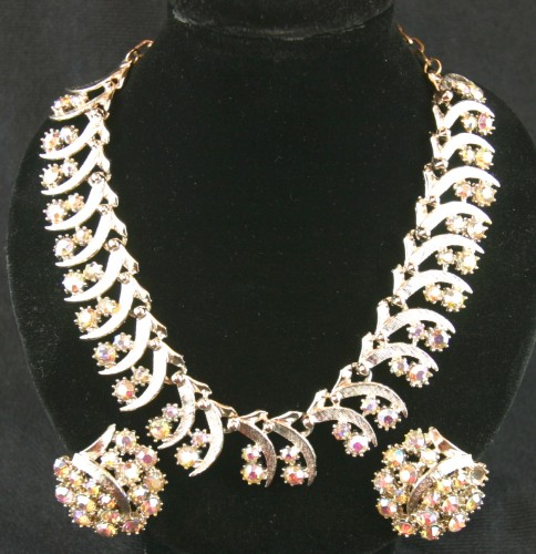 B44-116A_necklace&earrings.JPG