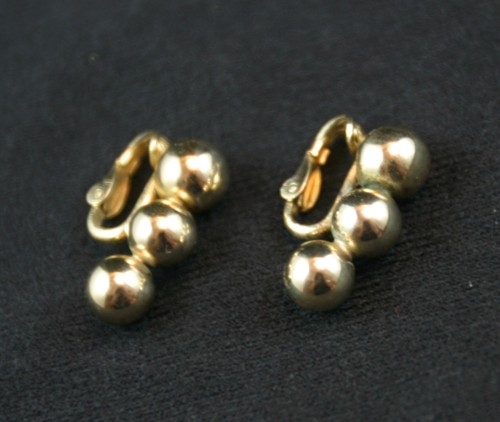 B68-59A_earrings.JPG