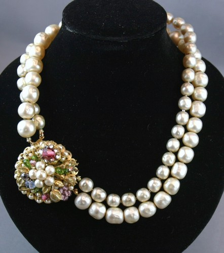 d399b02891dbb Robert deMario vintage pearl necklace and earrings set