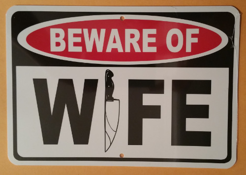 BEWARE WIFE KNIFE HA05