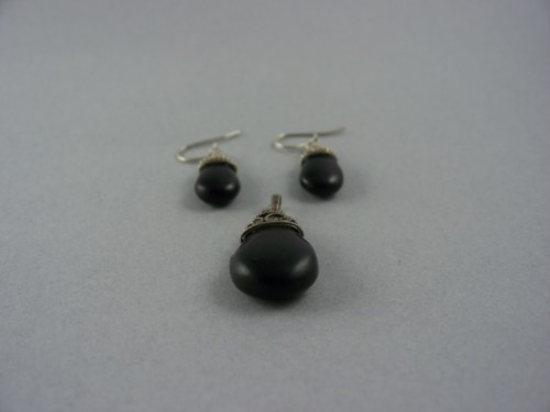 sterling silver and onyx pierced earrings French lever back and pendant set