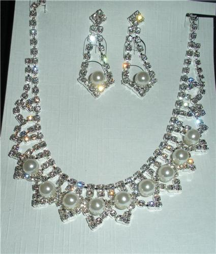 Copy of Gorgeous Crystal Necklace Set for Special Occasions
