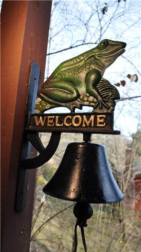 New Cast Iron Frog Welcome Outdoor Patio Garden Deck or Door Sign Bell Heavy