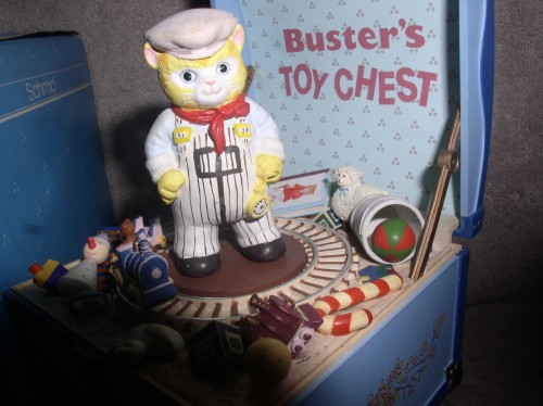 Vintage Kitty Cucumber Buster's Toy Chest train tune Toyland Schmid music box