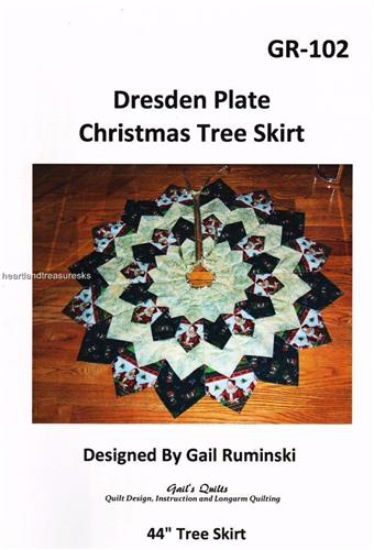 Dresden Plate Christmas Tree Skirt  Pieced Quilt Pattern
