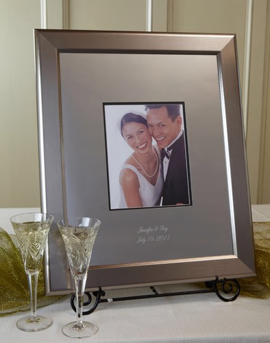 Titanium 20 X 24 Frame with 16 X 20 Engraved Signature Mat (Display ...