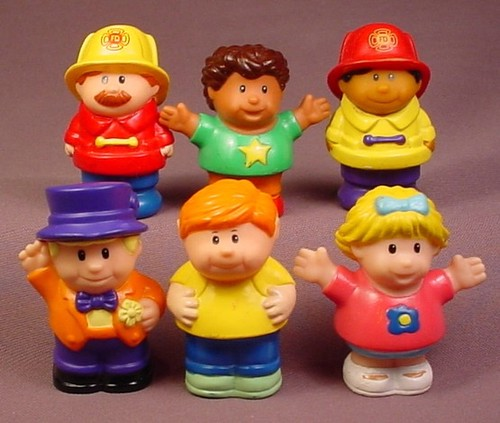 Shelcore Set Of 6 Little People Figures (A), 2 1/2 Inches Tall, Playset Figures