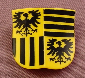 Playmobil Yellow Double Concave Shield With A Black Griffin & Stripes  Pattern, 3890, 30 63 3760