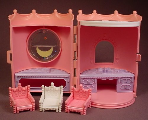 Playskool Krystal Kastle Princess Bedroom Suite Set With Furniture, Castle, 6 Inches Tall