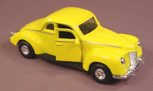 Tootsietoy Yellow 1940 Ford Coupe Metal & Plastic Car, 1:32 Scale, 6 Inches Long, The Doors Open