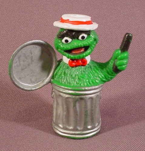 Sesame Street Oscar The Grouch With White Hat Trash Can Lid Pvc Figure 2 5 8