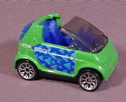 Matchbox 2001 Smart Car Cabrio 2 Long 1 52 Scale