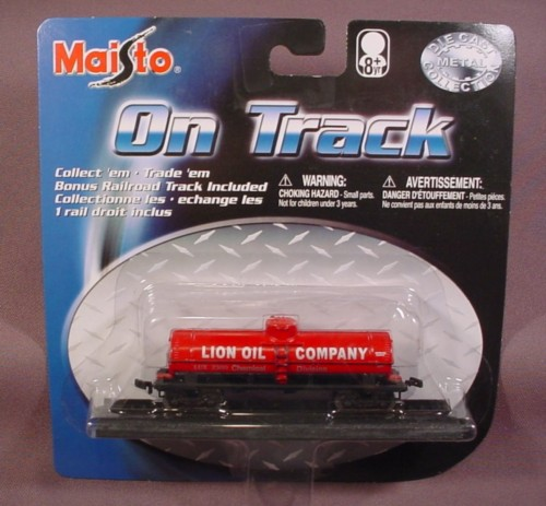 Maisto On Track Red Lion Oil Company Chemical Train Car With 1 Section Of Track