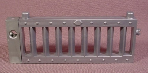 """Fisher Price Imaginext Silver Metal Looking Railing With 8 Triangle Pickets, 4"""" Long"""
