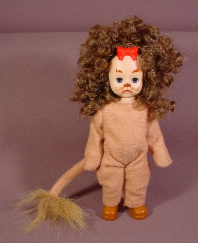 Madame Alexander Doll Cowardly Lion, Wizard Of Oz, 5 3/4 Inches Tall, 2007 McDonalds