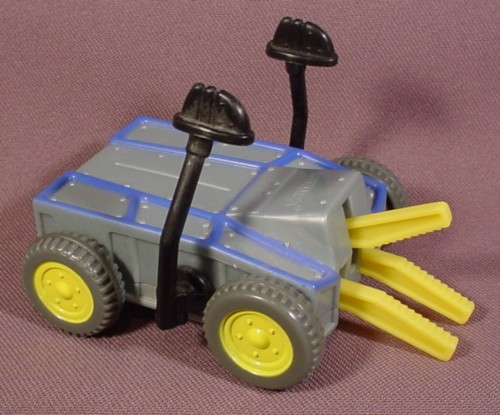 """Mcdonalds 2002 Battlebots #5, Pull Back Toy With Jaws & Hammers, 3 1/2"""" Long"""