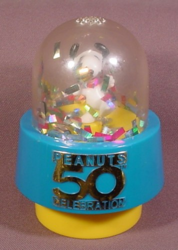 Peanuts 50 Year 50Th Celebration Toy With Snoopy Inside A Dome With Confetti