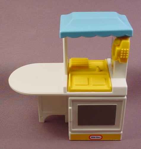 Little Tikes Dollhouse Yellow U0026 White Kitchen Stove U0026 Counter, Blue Roof