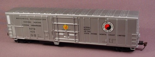 Oo Scale Gauge Silver Reefer Car, Northern Pacific Railway Npm 826, Railroad Train