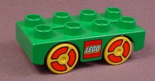 Lego Duplo 31202 Green 2X4 Car Base With Yellow Red Pattern Wheels 2281 2284 9067