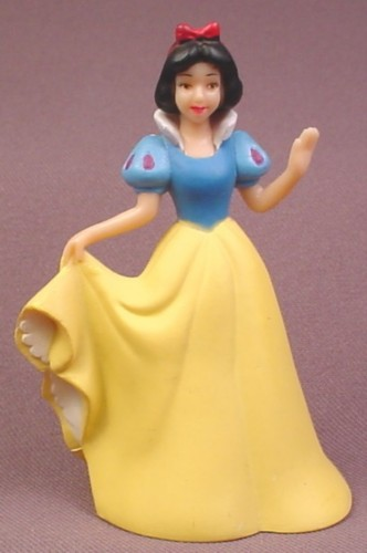 Disney Snow White Holding Her Dress Hem PVC Figure, 3 1/2 Inches Tall, Her Other Hand Is Raised
