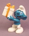 Smurf Holding a Gift or Present PVC Figure, Peyo #4, Bully, Hong Kong (white is not bright)
