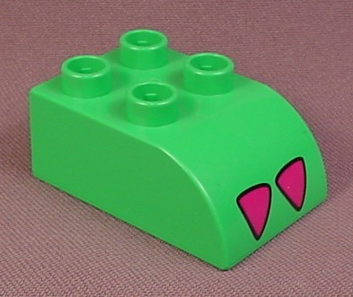Lego Duplo 2302 Green 2x3 Brick with Curved Top and 2 Dark Pink Claws Pattern, Animates