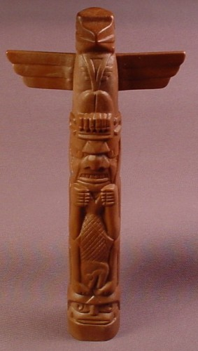 Playmobil Brown One Piece Native American Indian Totem Pole With Carvings, 7 1/4 Inches Tall, 3483