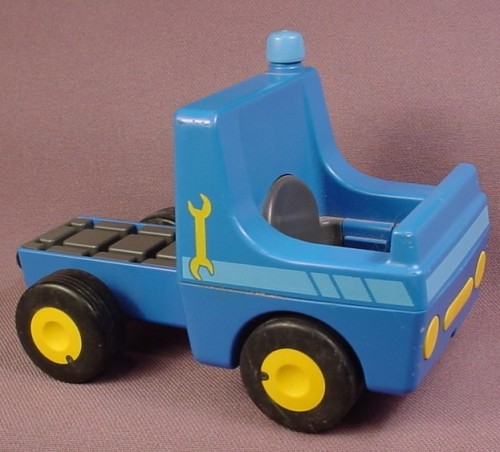 Playmobil 123 Blue Truck Vehicle With Yellow Wrench Design, Hitch That Moves, 6705