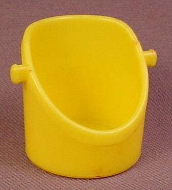 Tree Tots Yellow Chair With 2 Studs, 1975 General Mills Food Group, Kenner