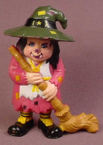 Witch In Raggedy Purple Dress & Green Hat PVC Figure With Broom, 3 Inches Tall, Halloween