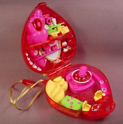 Polly Pocket 2000 Fruit Surprise Strawberry Compact #28655, Has A Lounge Dressing Table