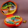 Polly Pocket 1996 Disney The Lion King Playcase Compact, Nala & Simba Relief On The Lid
