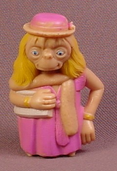 E.T. The Extra-Terrestrial Dressed As A Girl PVC Figure, 2 1/8 Inches Tall, 1982 LJN, ET Alien