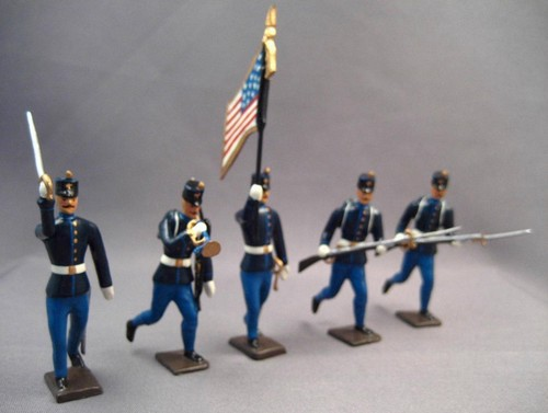 Mignot 054a: U.S. Infantry 1880 Assaulting: O, F, B + 2 rifles -UNIQUE INF5