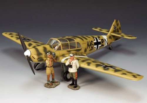 King and Country AK058: (SL) Rommel's Desert Storch Taxi - with Pilot & Rommel - (only 999 produced)