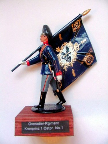 Pickelhaube Miniatures F23: Flag of the Grenadier-Regiment Kronprinz (1 Ostpr.) No. 1