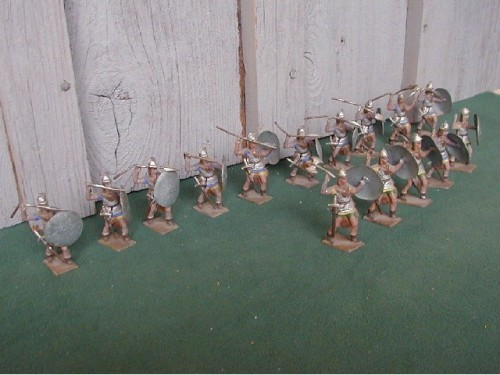 Mignot 004: Gauls (100BC) page 33 bow, axe, spear, sword- all different attacking INF5 - SOLD OUT