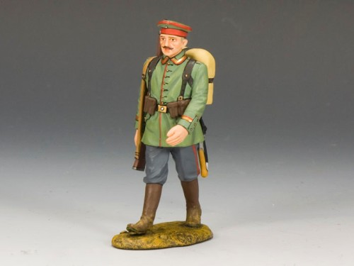 King and Country FW109: Marching Rifleman with Hat