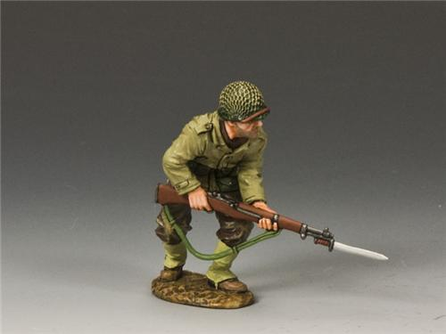 King and Country DD185: Advancing w/ Rifle & Bayonet