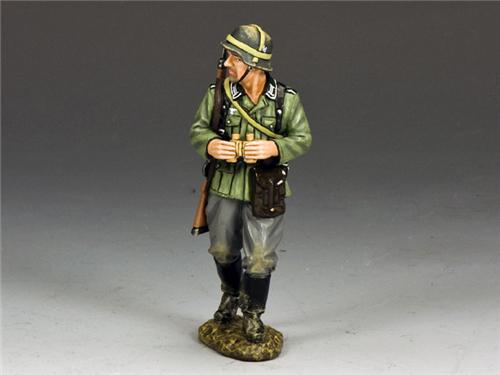 King and Country WS203: NCO with Binoculars