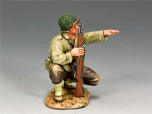 King and Country DD187: Kneeling Pointing