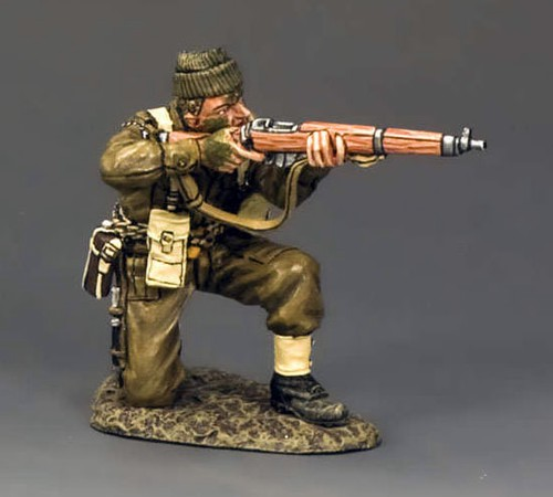King and Country DD194: Kneeling Firing Rifle