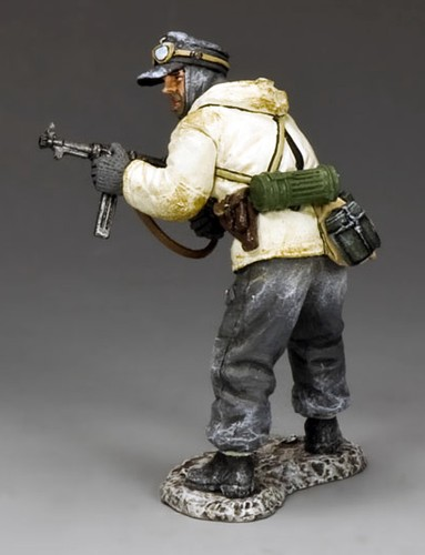 King and Country BBG077: Standing Officer w./ MP40